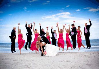 Wedding picture idea for Steph. Only not with a beach background, unless it's at Amsden!