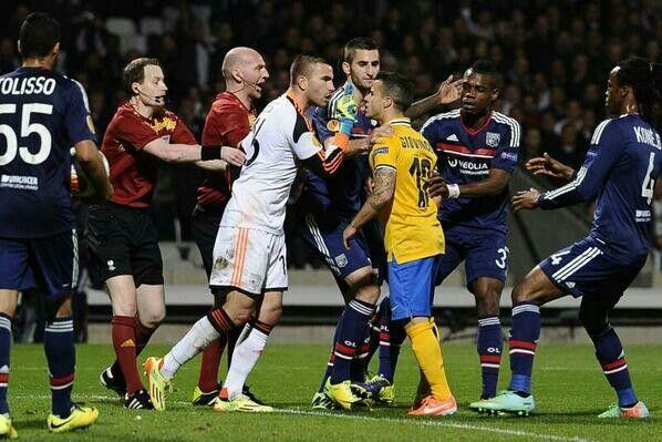 Lopes vs giovinco Leg 1 UEL quarter final  Lyon 0-1 #juventus Goal leo bonnuci Forza juve