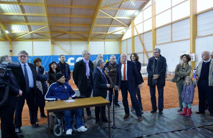 Inauguration officielle des 1er courts de tennis couverts éclairés à LED en Ile-de-France (Tennis club de Gennevilliers), effectuée en présence de Jean Gachassin, président de la Fédération Française de Tennis.