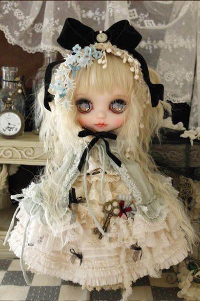 fancy Gothic style by Milk Tea #Custom #Blythe