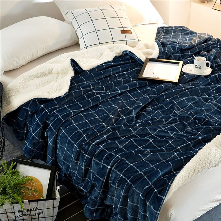 Karever Bed Throw Blankets Sherpa Blanket Throws for Couch Soft Heavy Weight Warm Reversible Navy Blue Grid King Size Queen Size Blanket