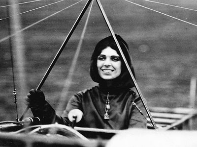 Harriett Quimby. Record-setting pilot. First pilot's license to a woman. Died in a plane crash in 1912. Cool girls have loved flying since the very beginning. :)