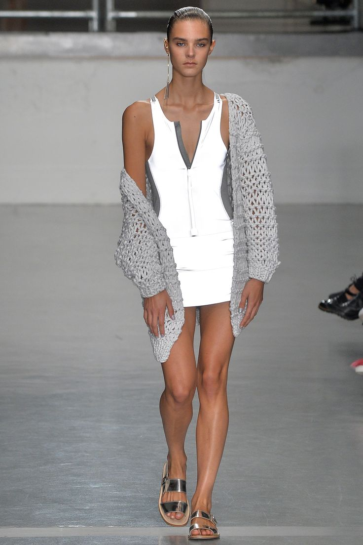 Richard Nicoll Spring 2015 Ready-to-Wear - Collection - Gallery - Look 1 - Style.com