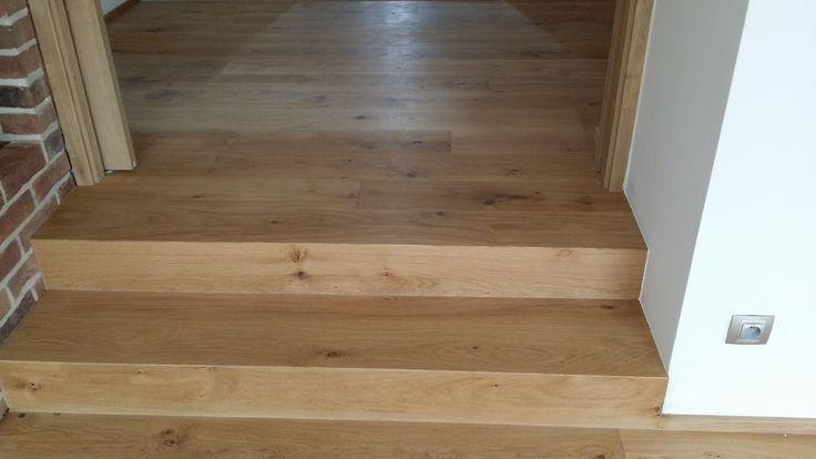 Interiérové studio Heth / fotky z našich realizací / obložení schodů přírodní dubovou podlahou