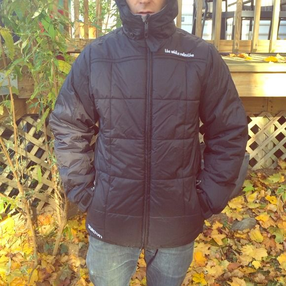 NEW Burton Snowboard / Ski Snow Jacket Men's warm and comfy Burton snowboard/ski jacket. NEW w/o tags. Lots of pockets inside and out. Great for the slopes and stylish enough for the streets! Great fit! Burton  Jackets & Coats