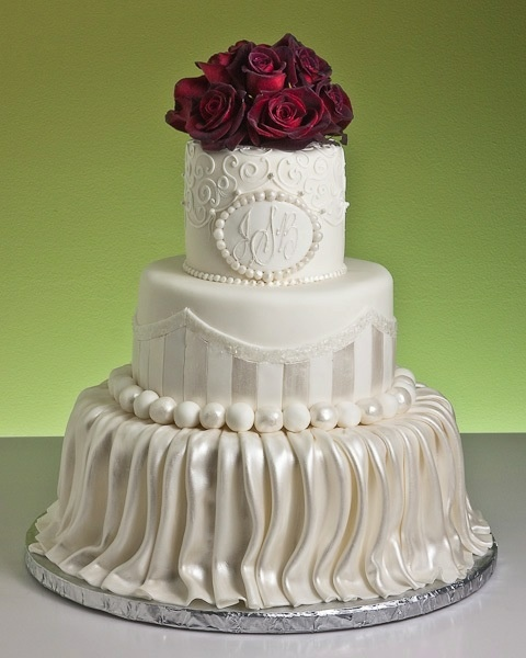 Cake Artist Mauritius : 45 best images about Showstopper Wedding Cakess on ...