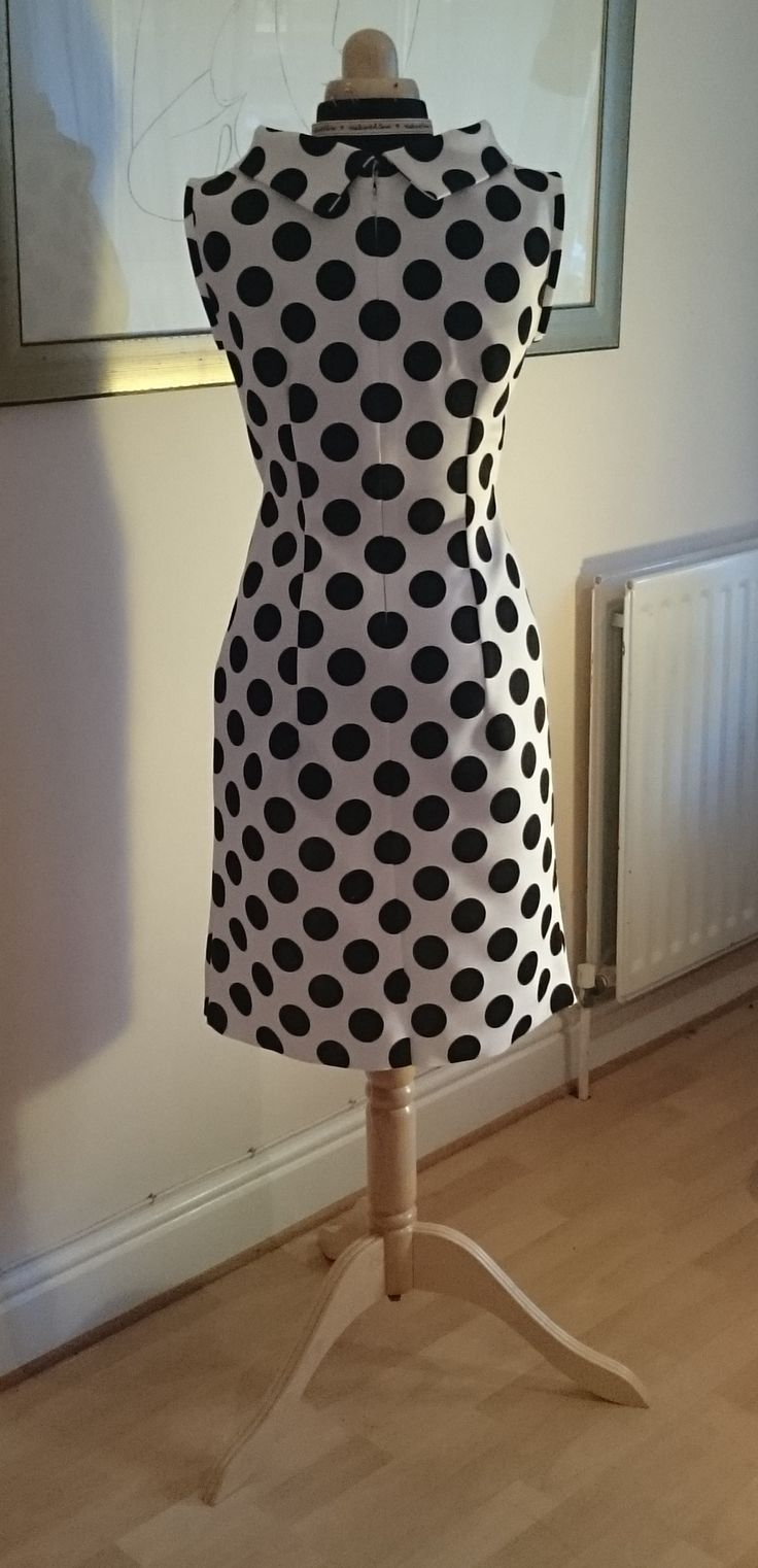 The Simplicity 6145. The back of the dress, pattern matching dots down the centre back... Polka dot neoprene :)
