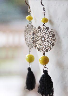 Aureliberty: Boucles d'oreilles jaunes à pompons