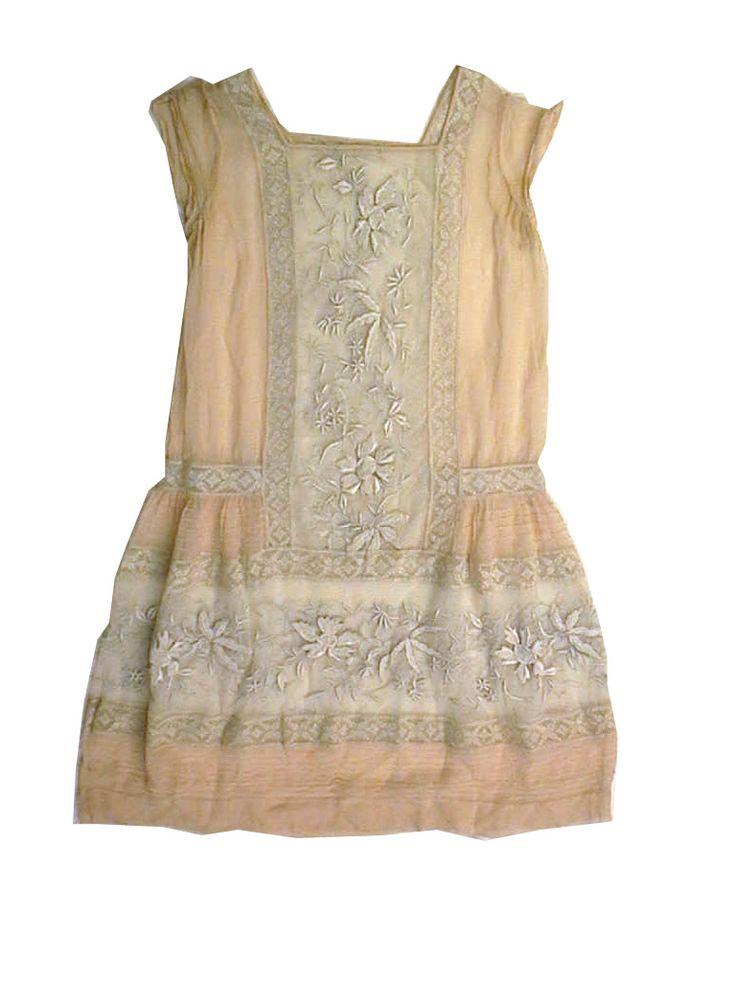 Embroidered child's dress. Silk. 1920s.