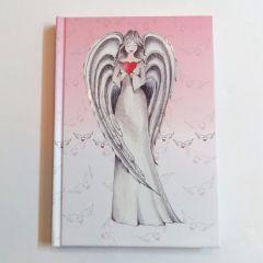 Niyetlerinizi, dileklerinizi melekler korusun... Defter ölçüleri: 14 cm x 20 cm Yaklaşık 100 sayfa, çizgisiz.