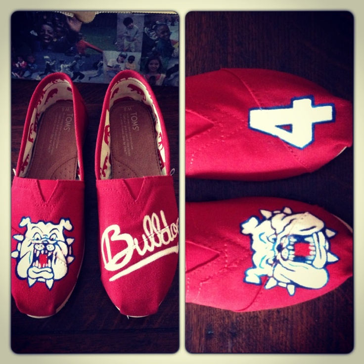 @Kimberly Peterson Wilson these totally remind me of you!!! These would be so cute for game days! Fresno state bulldogs custom Toms