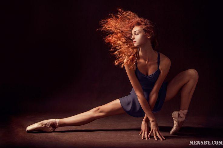 #грусть #грустить #капитуляция   Грустить легко, потому что грусть — это капитуляция. Намного лучше танцевать, пусть и в одиночку...