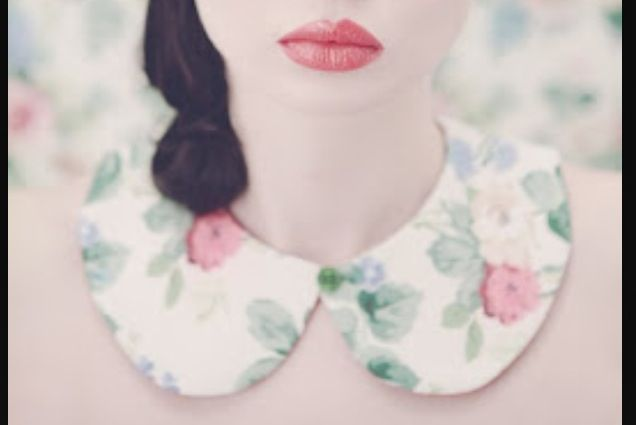 Floral Peter Pan collar, the best:)