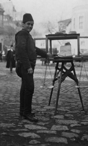 İstanbul 1915 - kağıt helvası