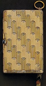 Fabergé  Etui à cigarettes ayant appartenu à Charles Antoine Luzarche D'Azay en or, saphirs (1901).