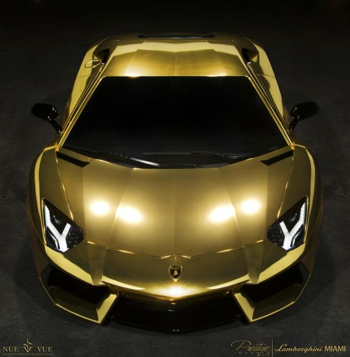 Lamborghini Aventador AU79 covered in Gold #lamborghini