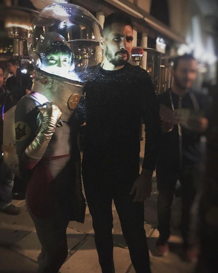 Αν και Θεσσαλονίκη πολλοί επιλέξατε για προορισμό Οπουδήποτε.  Έτσι εμφανίστηκε μία ωραία αστροναύτης και ήρθε να με πάρει για την 16η Έκθεση Κόμικς & Επιτραπέζιων Παιχνιδιών Comic n Play 2017 που θα πραγματοποιηθεί στις 10-12 Νοεμβρίου στο Γαλλικό Ινστιτούτο Θεσσαλονίκης.  ΟΙ ΑΣΤΡΟΝΑΥΤΕΣ έρχονται!  Ελεύθερη Είσοδοςhttp://ift.tt/2AcfKGxhttp://ift.tt/2zkrpnO ______________________________ #fashionboy #fashionman #fashionist #fashions #fashionshop #fashionday #fashiondiary #fashionshoes…