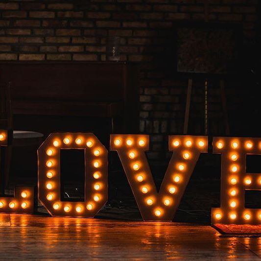 ok, we LOVE it!  #lamps #lights  #eastlightscom_ #bulblights #cinemalightbox  #urodziny #wesele  #dekoracje #slub #design  #madeinpoland #handmade #uniquelamps #neonlights #neon