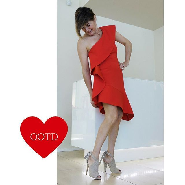 #Outfitoftheday by Colorado 💋#pinko #dress #sandal #kendallkylie #fashion #ootd #elegance #love #spring #ss17 ❤️ SHOP ONLINE www.coloradofashionshopping.it #spedizionegratuita in Italia #sconto 10% sempre se ti registri alla newsletter Colorado #fashionblog #fashionblogger #glam #glamour #cool #trendy #beauty #musthave #outfit #outfitideas #igers #moda #milano #shopping #shoppingonline #sexy #ootd