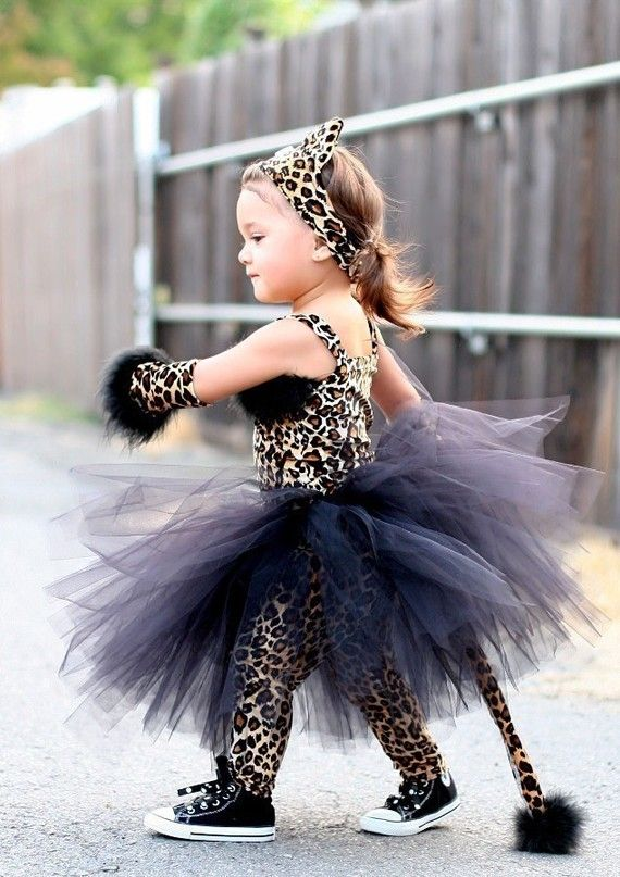 This is EXACTLY how I imagine my daughter to look on Halloween… and I don't even have a daughter… or a child.