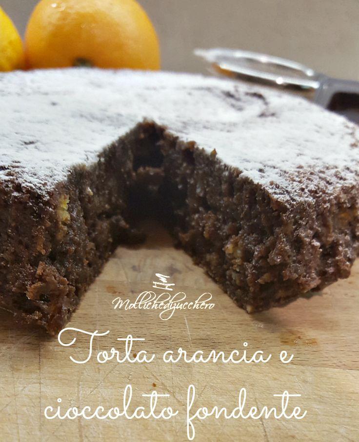 La torta di arance e cioccolato fondente è una torta golosissima, completamente priva di farina e lievito, perfetta per intolleranti e per chi vuole ...