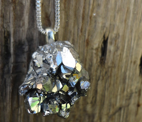 Druzy Geode Rock Necklace.: Jewels Rocks Bones, Uncovet Beautifully, Necklace Repin By Pinterest, Ring Druzy Geode, Rock Necklace Repin, Necklaces, Necklace 31 20, 31 20 Shop Uncovet Com