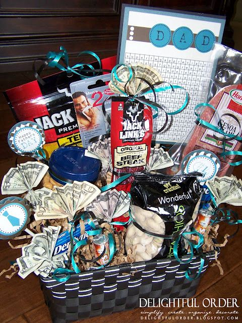 Gift Basket ideas for the men in my life: Guy Gift, Gift Baskets, Man Gift, Gift Ideas, Diy Gift, Men Gift, Giftbasket, Father