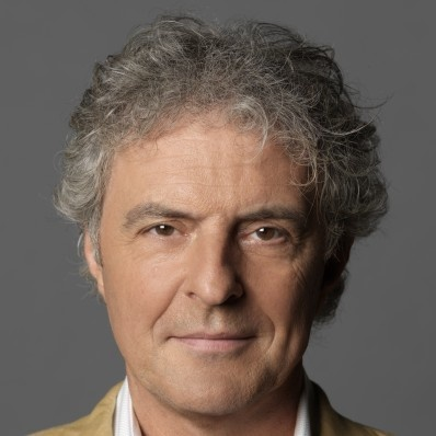 Huub Stapel Hij is vooral bekend van de films De lift, Flodder en Amsterdamned van Dick Maas. Geboren: 2 december 1954