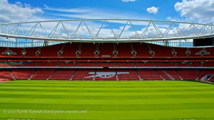 17 best images about ideas for peters room on pinterest for Emirates stadium mural