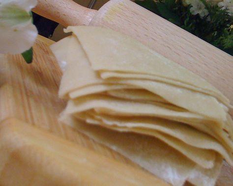 Resep Kulit Pangsit Goreng Renyah dan Enak bisa menjadi referensi ketika kalian akan membuat kulit pangsit goreng yang renyah dan enak.