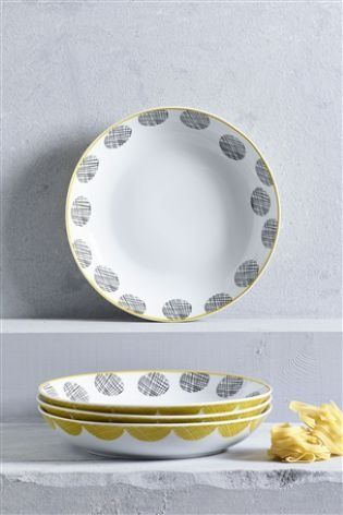 Yellow hues are everywhere in the home this season, so it'd be rude NOT to invest in new dinnerware - right?