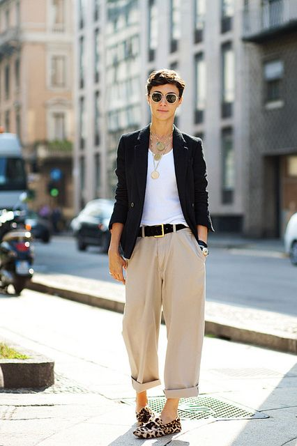 Layed back trousers, menswear inspired look with a basic white tee and blazer xoSocialite
