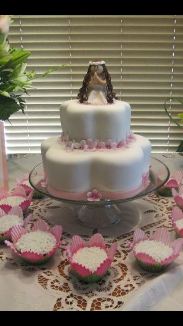 Torta de primera comunion para niña en rosa