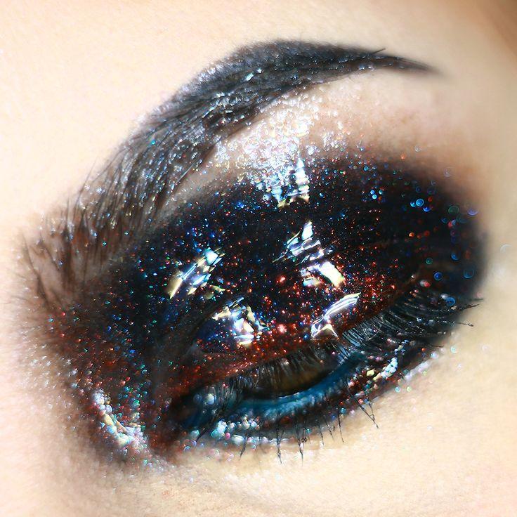 glossy dramatic eye makeup