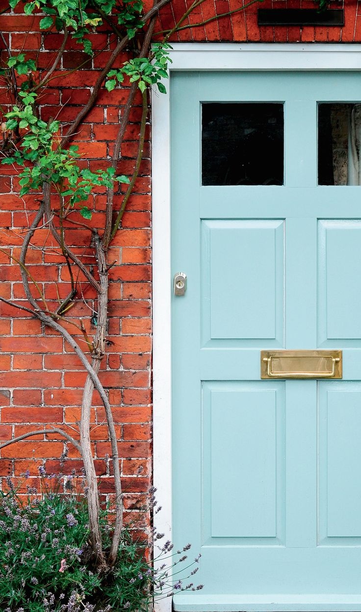 If you can't paint your wall, paint a door instead.