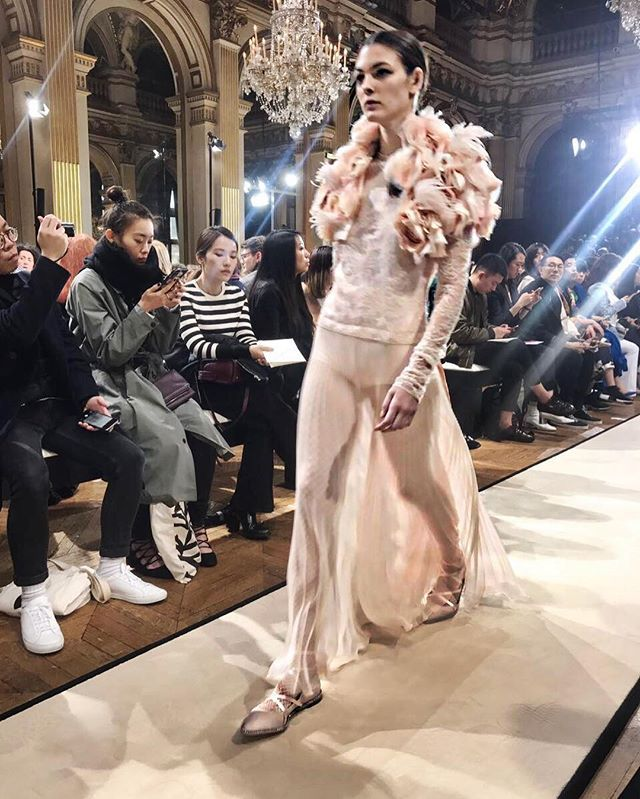 #PFW #BouchraJarrar continues her signature style of relaxed femininity at Lanvin pairing gowns with fishnet stockings and ballet flats. #巴黎时装周 Bouchra Jarrar用晚装搭配芭蕾舞鞋与渔网袜在Lanvin继续她的随性女性优雅  via VOGUE CHINA MAGAZINE OFFICIAL INSTAGRAM - Fashion Campaigns  Haute Couture  Advertising  Editorial Photography  Magazine Cover Designs  Supermodels  Runway Models