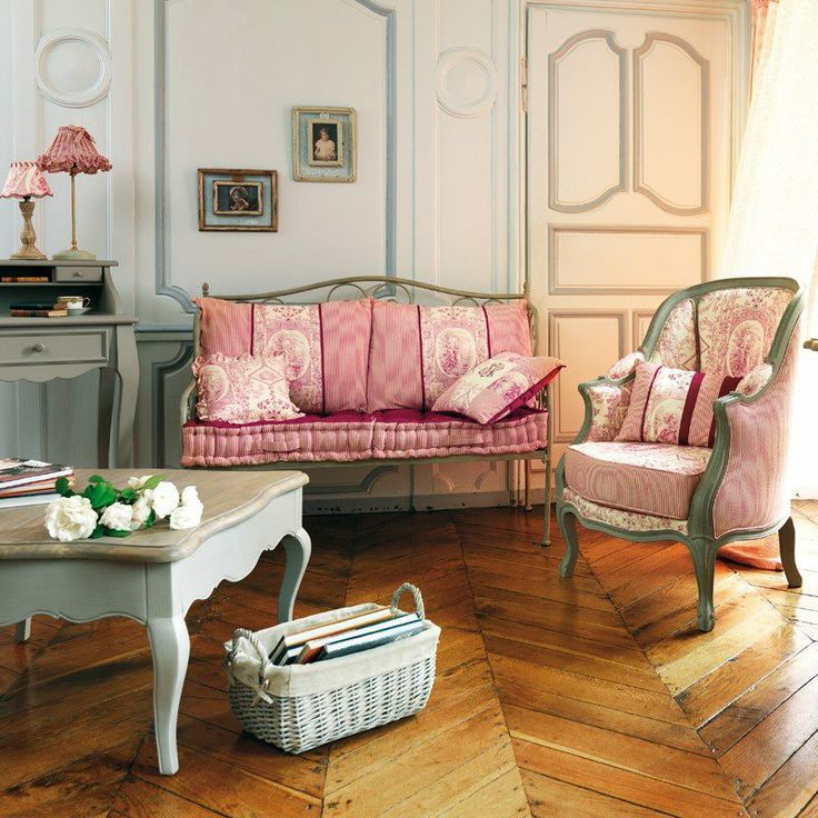 les 64 meilleures images propos de comptoir de famille sur pinterest louis xvi fauteuils et. Black Bedroom Furniture Sets. Home Design Ideas