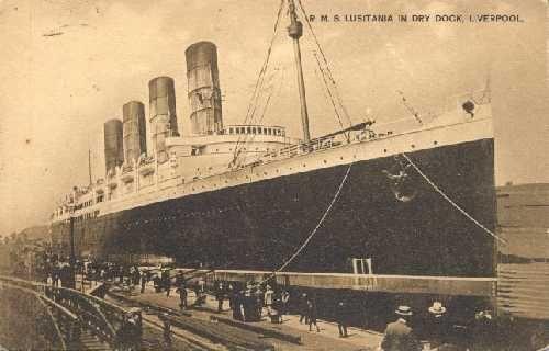 """11 EKİM 1907 - Lusitania yolcu gemisi Atlas Okyanusu'nu 4 gün 18 saatte geçerek bir rekor kırdı ve """"Mavi Kurdele""""yi kazandı."""