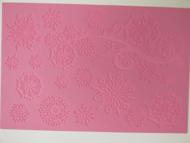 Crystal Large Cake Lace mat by Claire Bowman