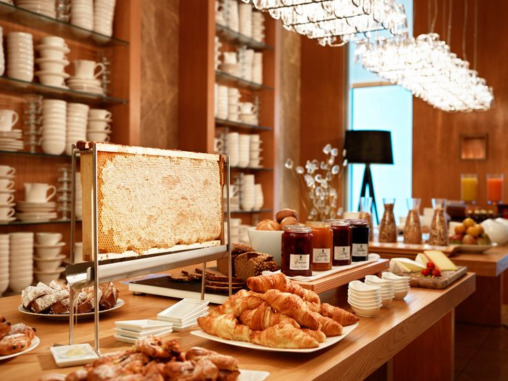 Jumeirah Frankfurt Hotel - Restaurants - German / Austrian - Breakfast Buffet