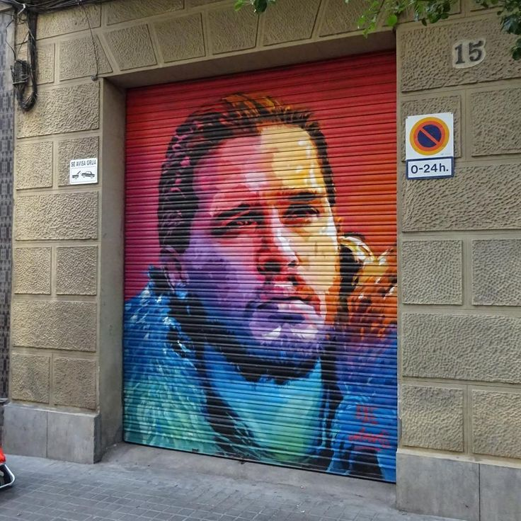 Streetart Barcelona: Game of Thrones #AlternativeHostel #Barcelona #GOT
