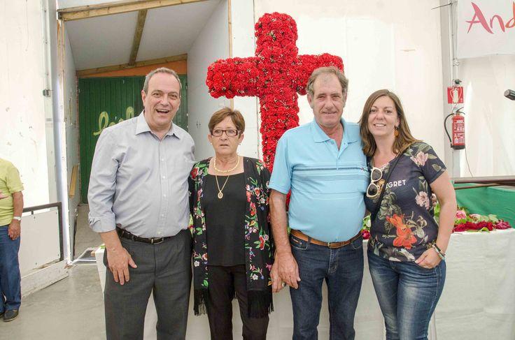 https://flic.kr/p/s9VCUJ   nº3365 Dia de la Cruz de Mayo. Almas Rocieras a la carpa al costat del poliesportiu Joan Ortoll 17/5/2015    © Jordi Targa. Photograph