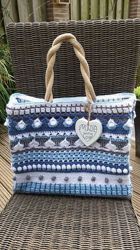 Ravelry: Blue is blue shopping bag pattern by Yvonne Gerichhausen