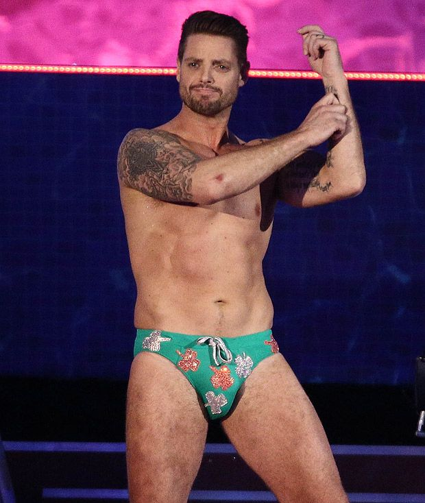 Keith Duffy in those trunks - yes I did see his bare ...
