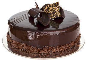Cauti o glazura de ciocolata cu care sa imbraci tortul si sa arate impecabil? Dupa reteta asta, n-are cum sa nu-ti iasa un tort demn de o cofetarie.
