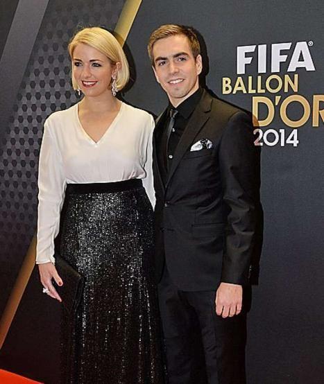 #scorpio Philipp Lahm kam mit Frau Claudia zur Gala in Zürich http://www.bild.de/sport/fussball/cristiano-ronaldo/siegt-und-schreit-39312874.bild.html