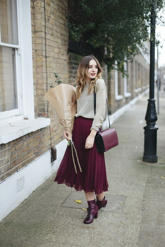 20 Great Ways to Look Attractive and Fashionable in a Mid-Length Skirt   Postris
