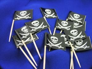 Pirate Skull & Bones Cupcake Flag picks