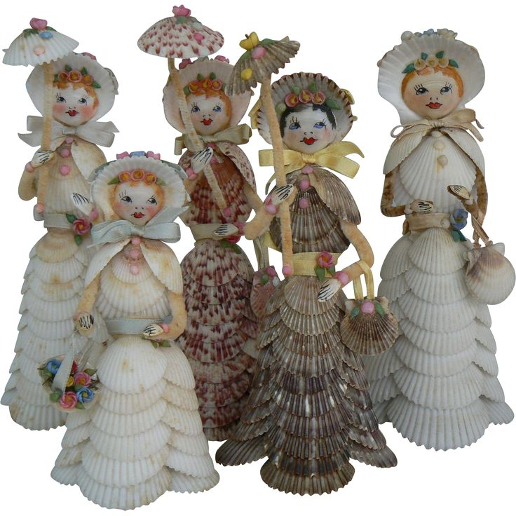 What a wonderful group of Sea Shell Dolls. These are OLD and date from the 30'- 40's. They were made by Zella Layton of Bradenton Florida. She was