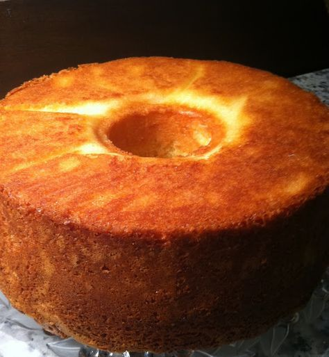 Recipe for Old-fashioned Sour Cream Pound Cake